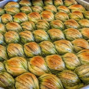 Midye baklava